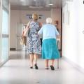 mayores-hospital-enfermo-residencia-receta-osakidetza