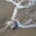 vaso-contaminacion-plasticos-mar