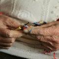 manos-mujer-mayor
