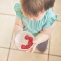 bebe-saludable-fruta