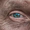 ojo-persona-mayor
